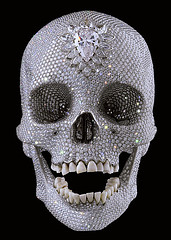 Damian Hirst sculpture For the Love of God (jeweled skull)
